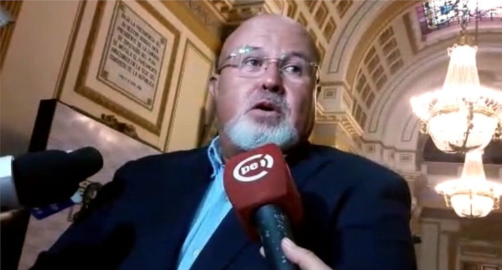 """Bruce sobre chat del CEN de Ppk: """"Tienen derecho de estar en contra de Vizcarra, no hay nada ilícito"""""""
