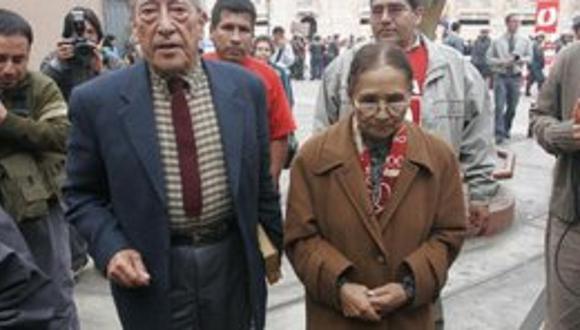 Padres del presidente Humala llegaron a la Morgue de Lima por nieto fallecido