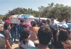 """Áncash: Multitud despide a """"Cheto"""" y Policía los dispersa con gases (VIDEO)"""