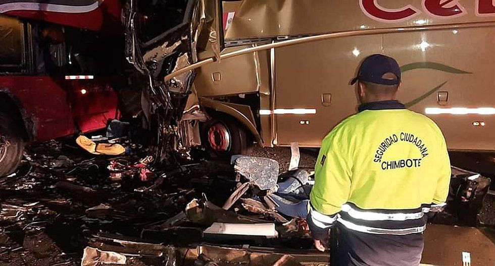 Tres muertos deja choque frontal entre ómnibus