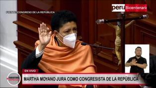 """Martha Moyano durante su juramentación: """"¡Terroristas nunca más!"""" (VIDEO)"""