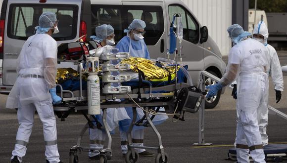 IMAGEN REFERENCIAL. Paciente siendo trasladado a un centro médico. (Foto: EFE)