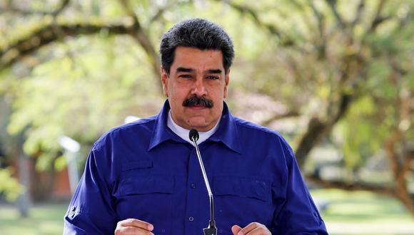"""Nicolás Maduro dijo este domingo que los recursos para pagar las vacunas se consiguieron """"con sacrificio"""" tras lograr su liberación """"del bloqueo"""" estadounidense. (Foto:  JHONN ZERPA / Venezuelan Presidency / AFP)"""