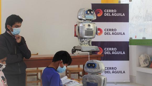 Robot Kipi ya tiene siete réplicas para la educación de niños de Tayacaja.