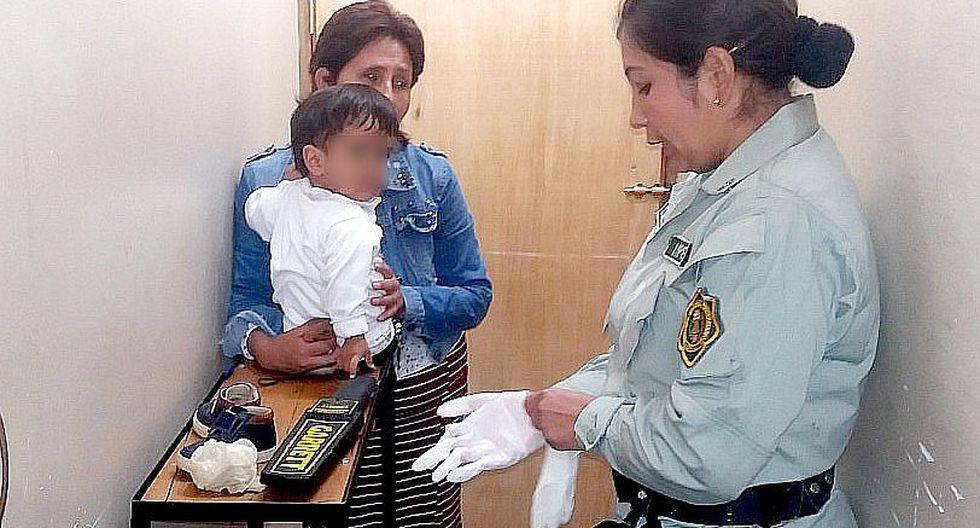 Mujer con bebé en brazos trata de ingresar droga a penal de Cusco (FOTOS)