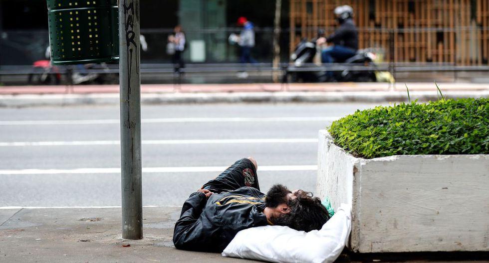 De entre los 24.000 sin un techo fijo, 11.600 pululan de un albergue a otro en busca de cobijo y el resto, que representan más de la mitad, viven directamente en la calle. (EFE).