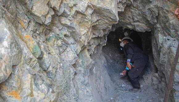Paralizan actividad minera en Accomarca por incumplir norma