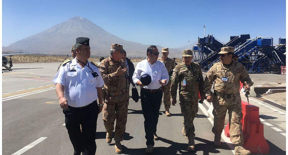 """Arequipa: Ministro de Defensa llega a la 'Ciudad Blanca"""" para coordinar ayuda (VIDEO)"""