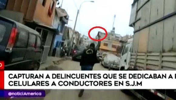 Policía realizó disparos al aire para atrapar a delincuentes. (Captura: América Noticias Edición Sabátina)