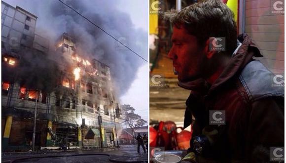 Las Malvinas: actor Paco Bazán es captado como bombero voluntario en incendio (FOTOS)
