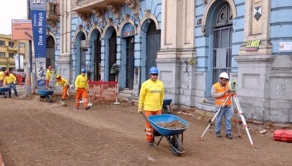 Inician obras para mejorar accesos en la plaza Dos de Mayo