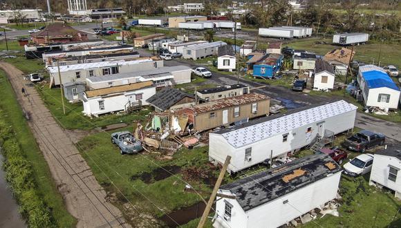 Una foto aérea hecha con un dron muestra los daños causados por el huracán Ida en LaPlace, Louisiana. (EFE / EPA / TANNEN MAURY).