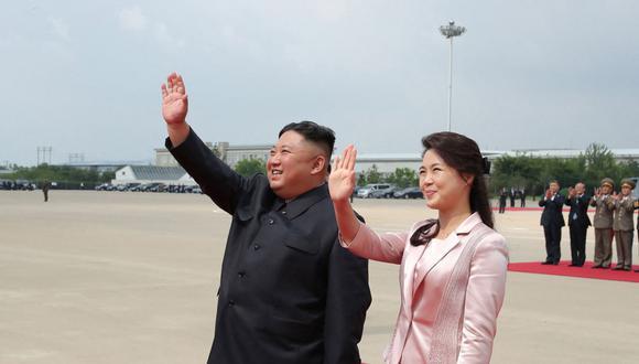 La última vez que Ri Sol-ju apareció ante los medios norcoreanos fue en enero del año pasado, cuando asistió junto a su marido a un concierto de Año Nuevo en el teatro Samjiyon de Pionyang. (Foto: KCNA VIA KNS / AFP)