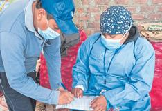 Chimbote: Comerciantes de mercado Dos de Mayo reciben dosis
