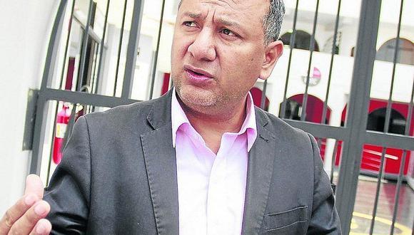 Presidente del Consejo Regional de La Libertad reveló que vicegobernador habría incurrido en usurpación de funciones, porque esa obligación le compete a Manuel Llempén y él estaba en el cargo ese día.