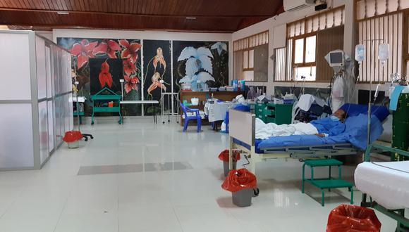 El único especialista para tratar a pacientes COVID en Madre de Dios, boliviano, confirma que camas hospitalarias están full