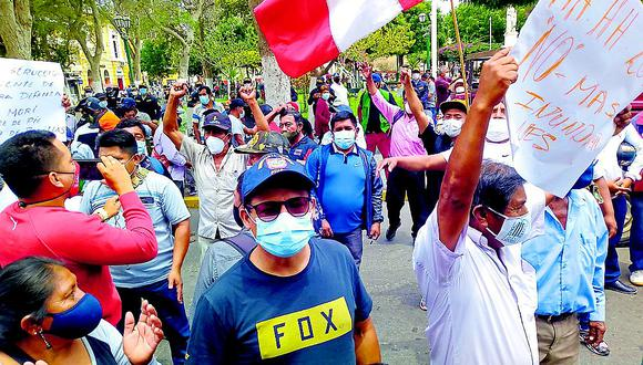 Pobladores del Bajo Piura preocupados por la obra en el dique izquierdo