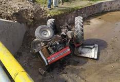 Tractor cayó al río y chofer resultó herido en el distrito de Cabana