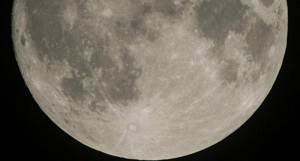 Periodista publica fotografía de una nave espacial transitando por la Luna (FOTO)