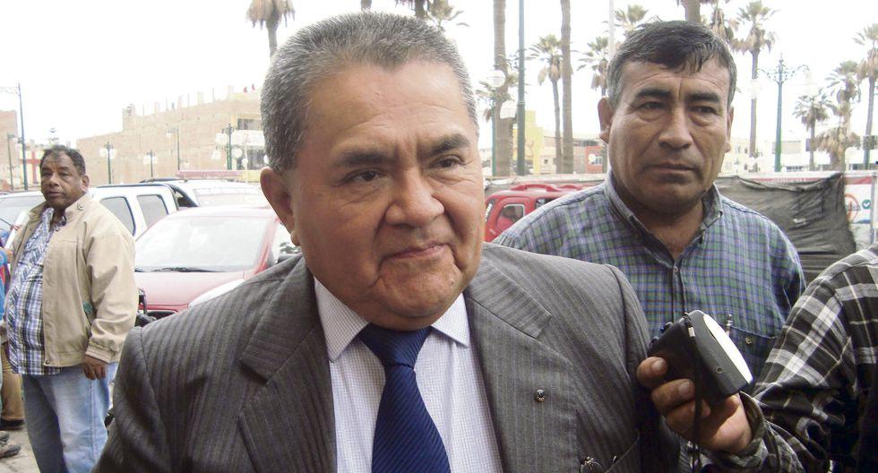 Acusan a Julio Guzmán de haber favorecido a Cañete