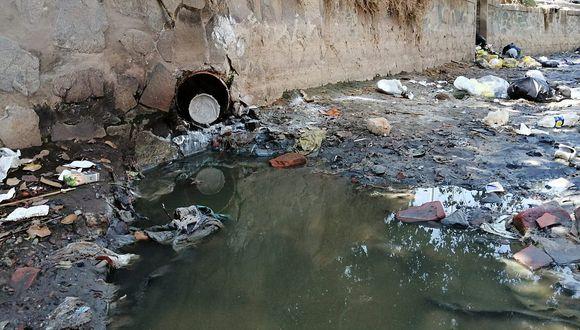 Ica: Investigan arrojo  de desagüe al canal  de riego La Achirana