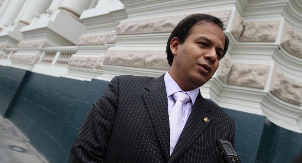 """Díaz Dios """"cuadra"""" al fiscal de la Nación por denuncia de terrorista"""