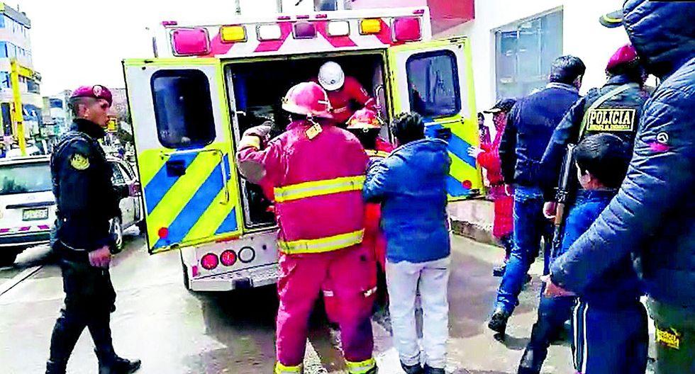 Choque frontal entre dos autos deja ocho heridos en la Carretera Central