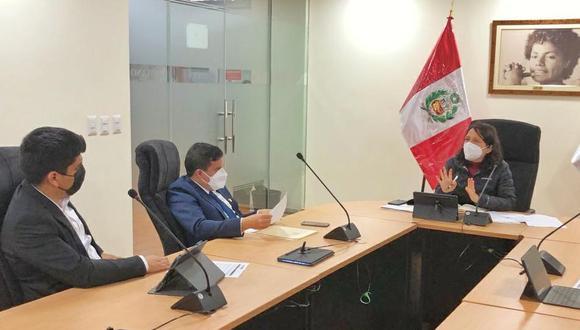 Congresista Diego Bazán solicitó a la ministra de la Mujer, Anahí Durand, la creación de más Centros de Emergencia Mujer en Trujillo.