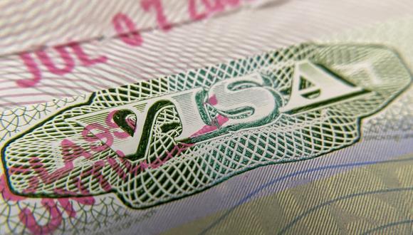 """Para la """"lotería de visas"""" correspondiente al año fiscal 2023 han quedado excluidos nacionales de Venezuela así como de Brasil, Colombia, El Salvador, Haití, Honduras, entre otros. (Foto: Chris DELMAS / AFP)"""