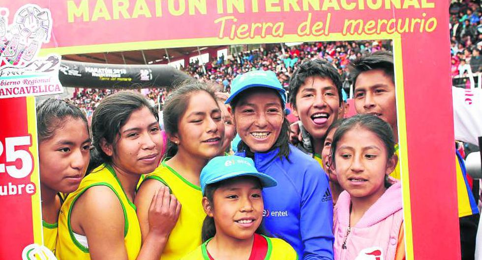 Inés Melchor gana carrera, pero recrudece lesión