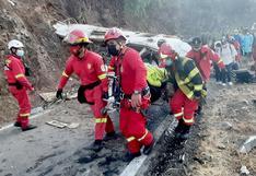 Tragedia en el límite Cusco - Apurímac: 16 fallecidos tras vuelco de bus de empresa minera (FOTOS)