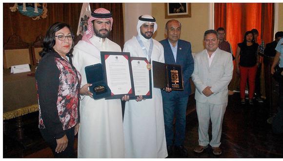 Empresario árabe es condecorado por la comuna provincial de Trujillo (VIDEO)