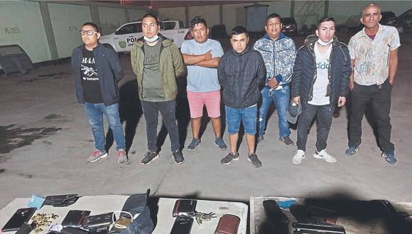 Bandas delincuenciales se enfrentaron a balazos por la posesión de un predio. Tiroteo también dejó a un hombre herido.