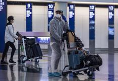 Más de 50 pasajeros dan positivo por COVID-19 en un vuelo entre Nueva Delhi y Hong Kong