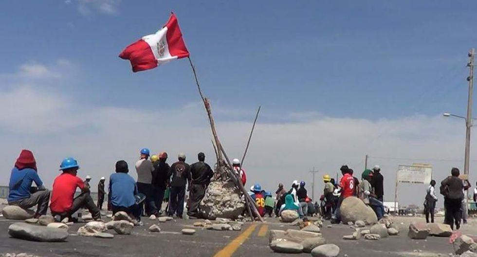Mineros informales bloquean diálogo