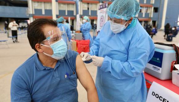 La directora de Inmunizaciones del Minsa, Gabriela Jiménez, informó que ya se ha vacunado contra el coronavirus al 47% de la población objetivo en el país. (Foto: Minsa)