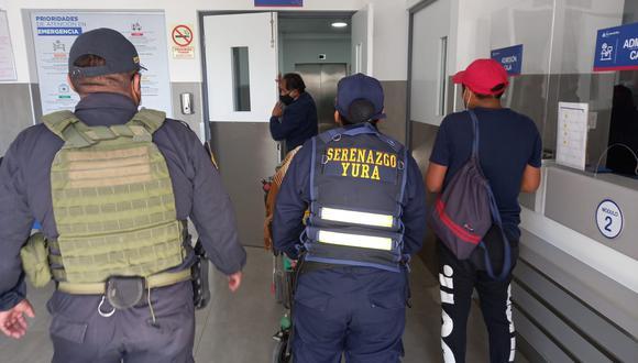El menor fue auxiliado por los efectivos policiales de la zona y llevado a la Clínica San Juan de Dios. (Foto: Difusión)