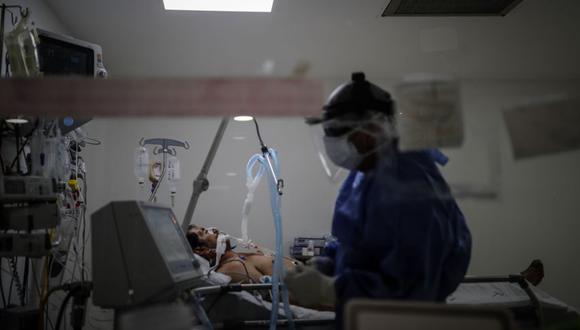 Producto de una avería en la red de oxígeno las autoridades indican que es falso que hayan fallecido pacientes COVID-19, tanto en hospitalización como en la Unidad de Cuidados Intensivos (UCI) (Foto: EFE/ Juan Ignacio Roncoroni)