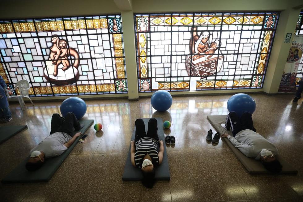 Entre terapias figuran la rehabilitación física, respiratoria y del lenguaje. (Foto: Britanie Arroyo/GEC)