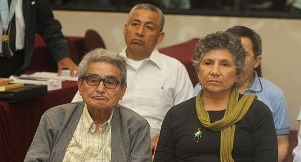 Senderista Elena Iparraguirre busca reunirse con cabecilla Abimael Guzmán