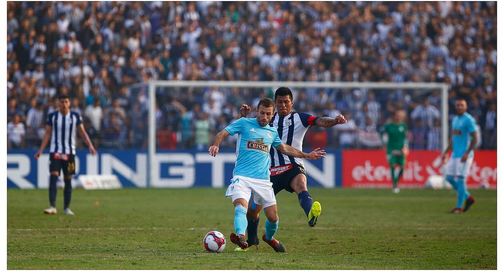 Alianza Lima recibió sanción por actos de violencia en el partido ante Sporting Cristal