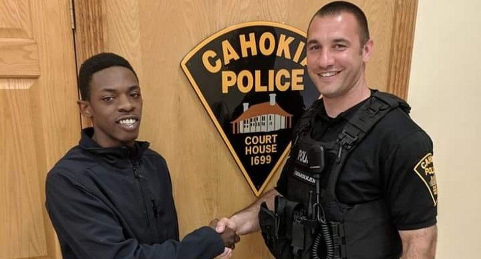 Policía detuvo a un hombre y le ayuda a conseguir trabajo (FOTO)