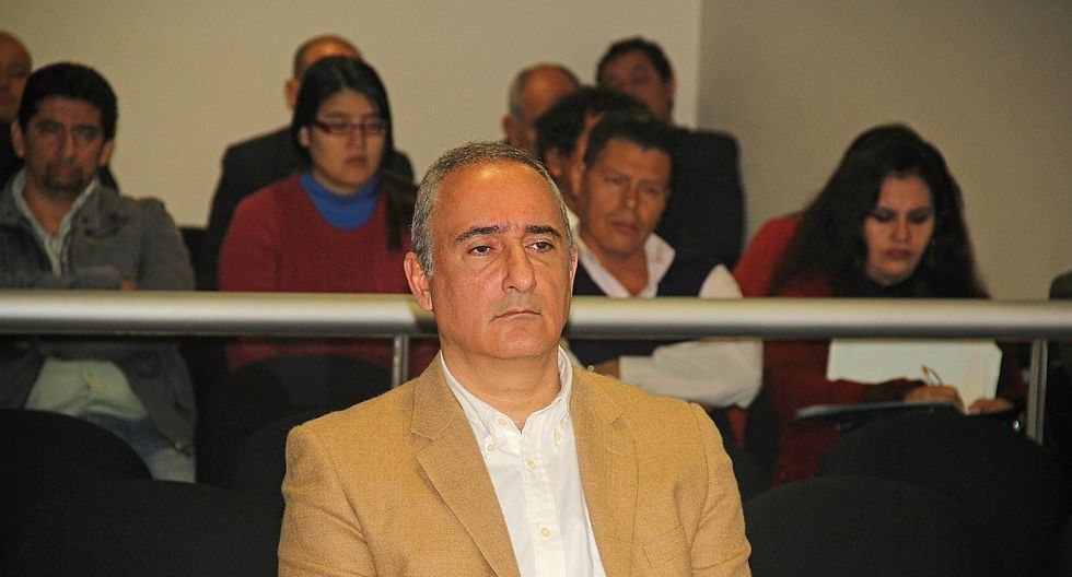 Tribunal rechazó recusación de Kouri contra juez supremo Neyra