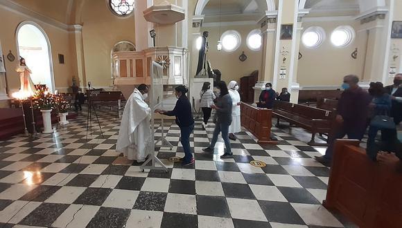 Obispo de Tacna y Moquegua monseñor Marco Cortez Lara instó a los gobernantes a trabajar por las personas. (Foto: Correo)