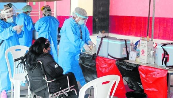 Con la llegada de un segundo lote de vacunas Pfizer, las redes de salud Pacífico Norte y Pacífico Sur han anunciado el nuevo cronograma de vacunación, en el que se ha tomado en cuenta a los adultos mayores de 80 años del distrito de Coishco y las provincias de Casma y Huarmey.