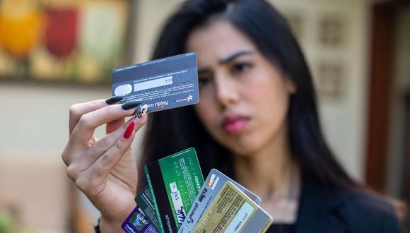 Los bancos ya no podrán cobrar un monto fijo del seguro de desgravamen de las tarjetas de crédito. (Foto: GEC)