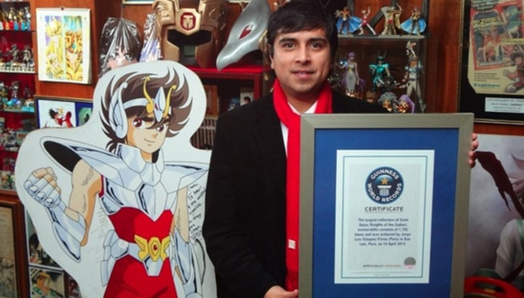 Récord Guinness para peruano coleccionista de Los Caballeros del Zodiaco