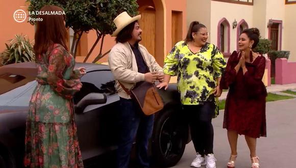 La sorpresa que se llevaron los vecinos del barrio San José al conocer que el dueño del lujoso auto es nada más y nada menos que Oliverio (Foto: América TV)