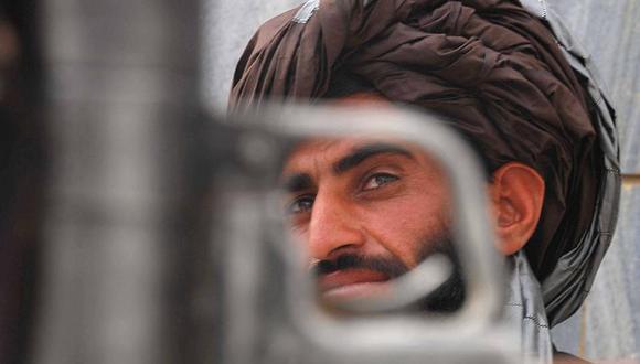 Movimiento talibán ataca base de Estados Unidos en Afganistán