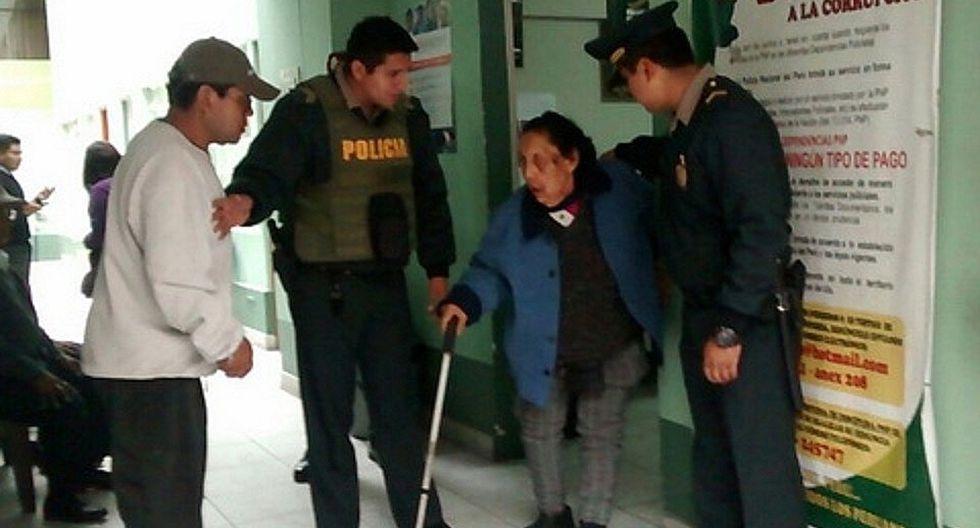 Sujeto es detenido por golpear a su madre de 90 años de edad